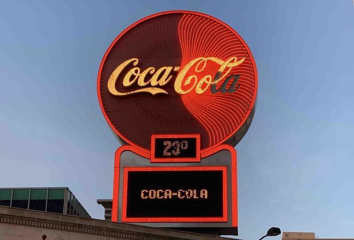 米コカ・コーラ、ドル高で見通し予想割れ 第4四半期は値上げ響く画像