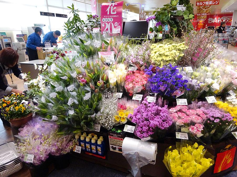▲ 千葉県旭市の「神崎農園」のゆりを販売する花売場
