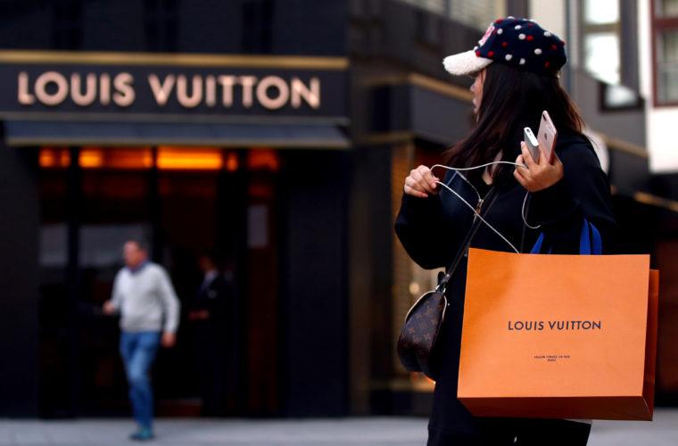 ウィーンのルイ・ヴィトン店舗前