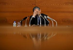 2015年7月 日銀で記者会見する黒田東彦氏