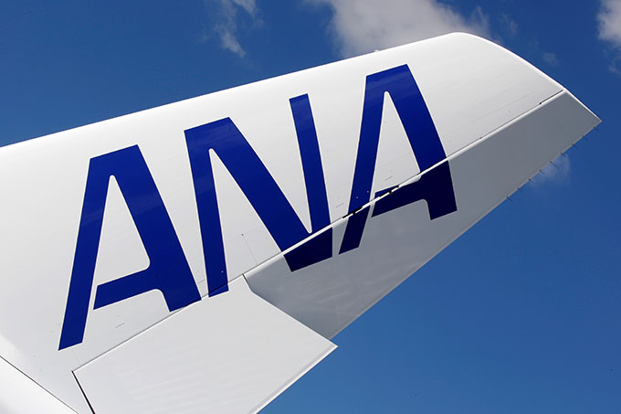 ANA飛行機機体 (2019年 ロイター/Regis Duvignau)