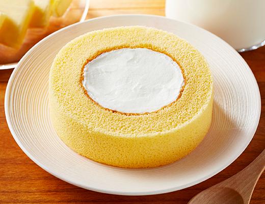 看板商品の1つとも言える「プレミアムロールケーキ」。コンビニエンスストアの本格チルドデザートの先駆けとも言える商品だ