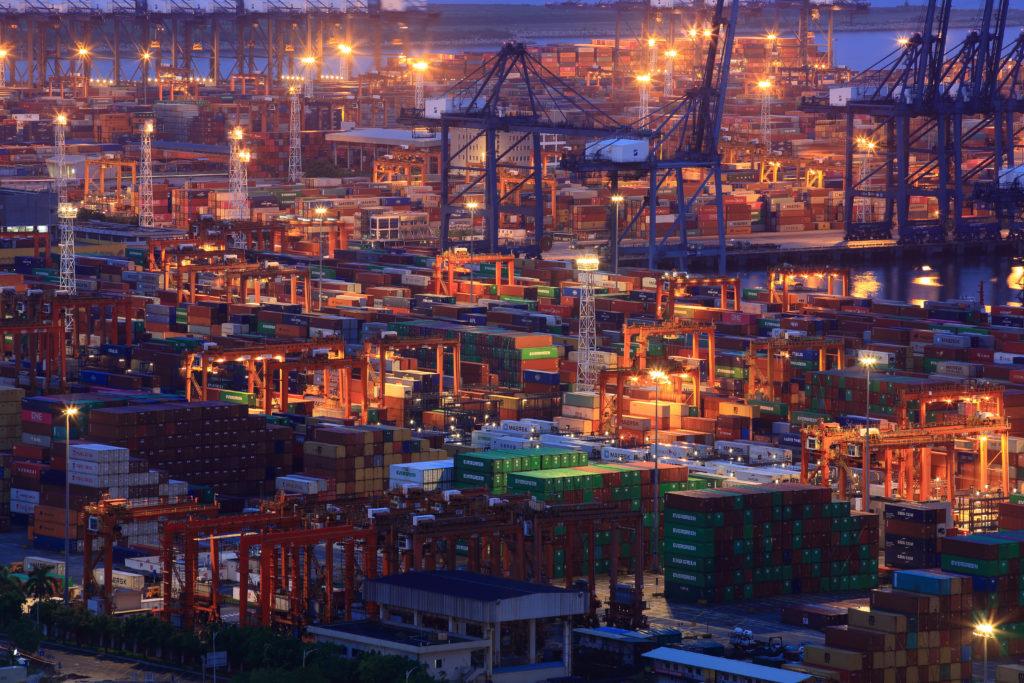 中国8月の貿易統計 イメージ