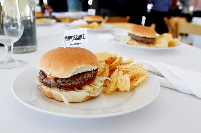 人工肉のハンバーガー
