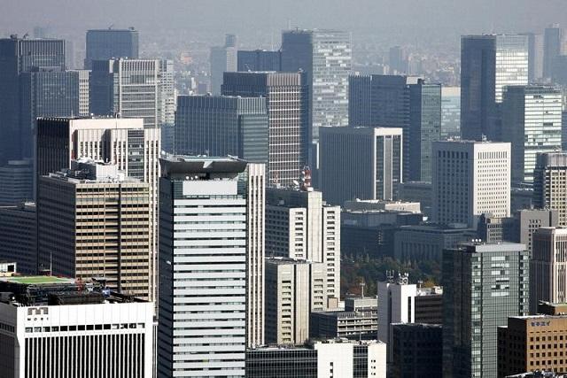 東京丸の内のビル群