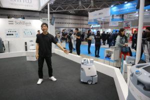 ソフトバンクロボティクスのAI清掃ロボット「Whiz」
