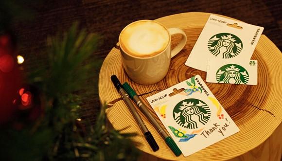 スターバックス、セブンイレブン約3300店でプリペイドカードを販売