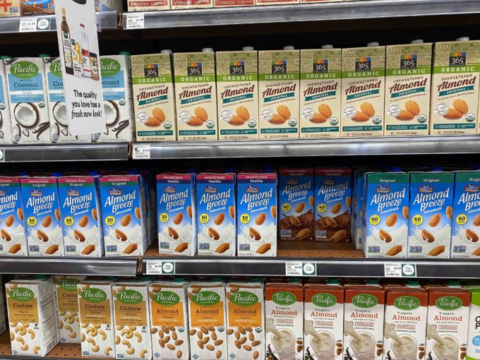 植物由来ミルク市場の約2/3を占めるのがアーモンドミルクだ