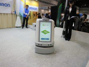 オムロンの複合型サービスロボット