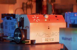 ウォルマート、オンライン受注商品のピッキングに自律走行ロボットを活用