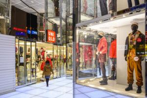 勝ち組アパレルに共通するのは、売上規模は関係なく、値引きに頼らず、ライトオフ期間が長いブランドだ(Photo by SeanPavonePhoto)