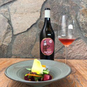 ペアリングプランでは、コース料理一皿ごとに最も合うワインを提供してくれる