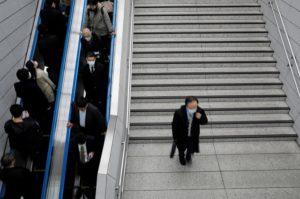 新型コロナウイルス、日本企業が感染対策に