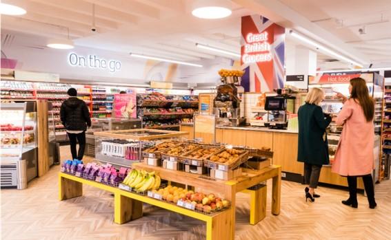 英セインズベリー、ロンドンの金融街に都市型コンビニ「オン・ザ・ゴー」の1号店