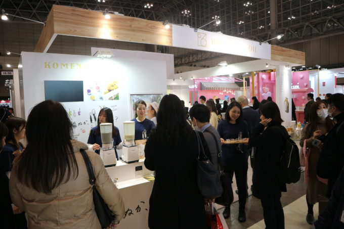 女性が多く訪れた「第3回美容・健康食品EXPO」における神明きっちんのブース