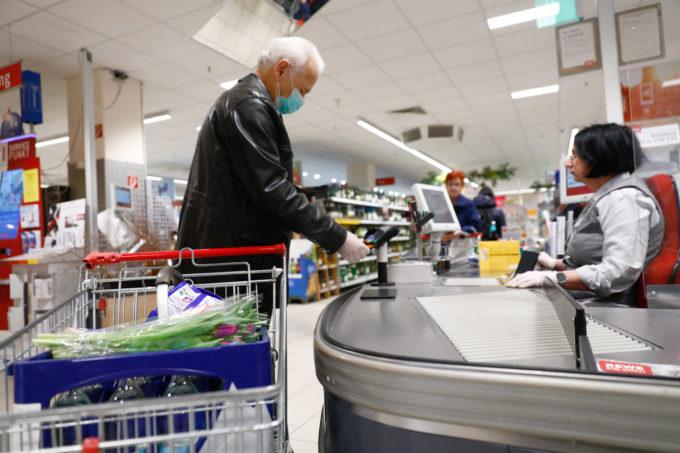 ドイツのポツダムでの買い物客