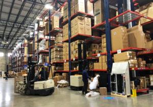 アメリカの倉庫内