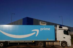アマゾンのトラック