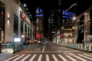 ニューヨーク・マンハッタン 人がいない夜の街