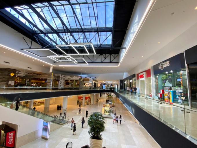 カリフォルニア州アーカディアのショッピングセンター