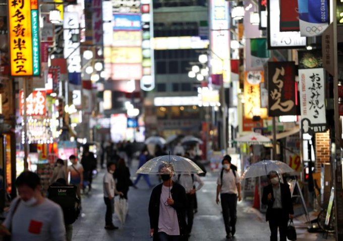 東京・新宿の繁華街