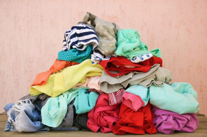 筆者はアパレルの二次流通市場は子供服からスタートしたら良いのではないかと考えている(Mukhina1 / istock)