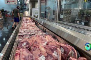 テキサス州ウェブスターにあるスーパーの精肉売り場