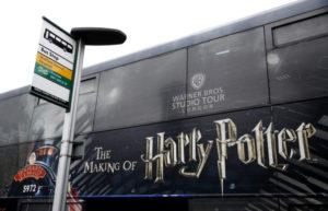英の「ハリーポッター」のバス