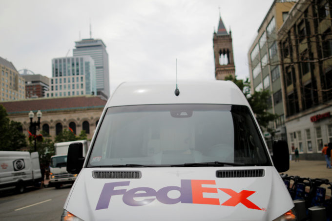 フェデックスの車両
