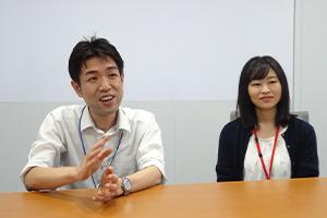 KLAの優位性をアピールする河井氏(左)と川上氏(右)