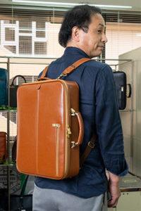 オリジナルブランド「EVERWIN」の「3WAYダレスバッグ」はリュックにもなり便利