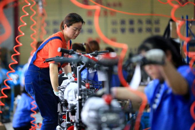 中国淮安市の電気自転車工場