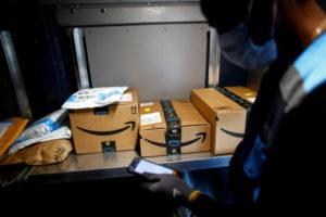 米アマゾンの荷物