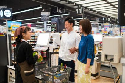 魅力的で提案のある売場、親切なスタッフ、いつでも豊富な品ぞろえの店は今後も生き残っていく(JGalione / iStock)