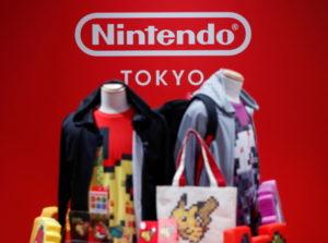 京・渋谷の任天堂オフィシャルストアに展示されたゲーム関連グッズ