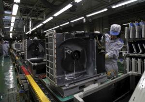 ダイキン滋賀県草津工場の空調ユニットのライン