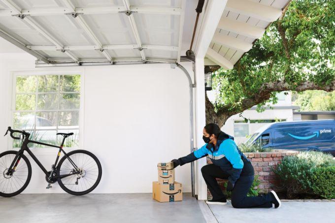 米アマゾンの自宅車庫への配送サービス