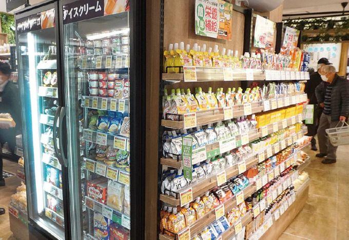 急ストア綱島駅前店の柱回りを活用した売場