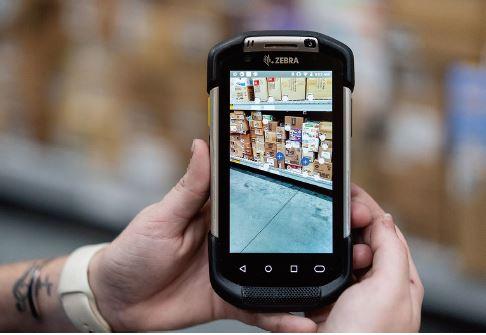 ウォルマートU.Sが実験店に導入した、品出しすべき商品を素早く特定できるアプリ