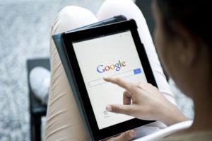 Google検索をしている画像