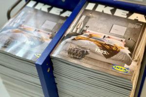 ストックホルム郊外の店舗に置かれたカタログ