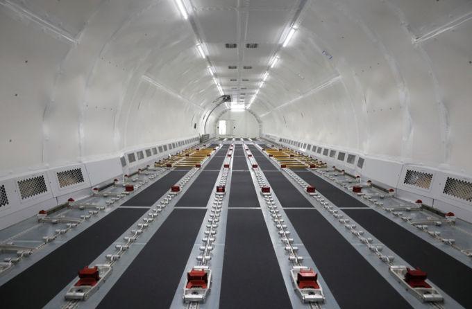 シンガポールで、貨物機に転換されたエアバスA321機
