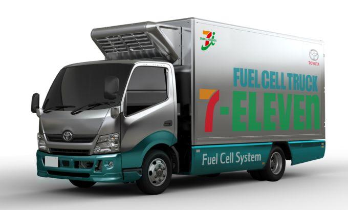 トヨタとセブンイレブンが実証実験で使用している燃料電池トラック