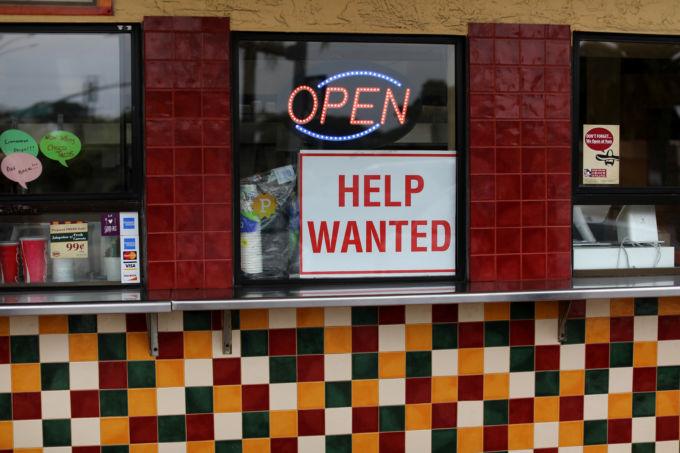 カリフォルニア州ソラナビーチで求人広告を出している飲食店