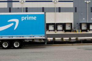 米アマゾンの配送車