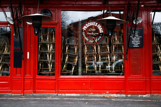 パリの閉まっているレストラン