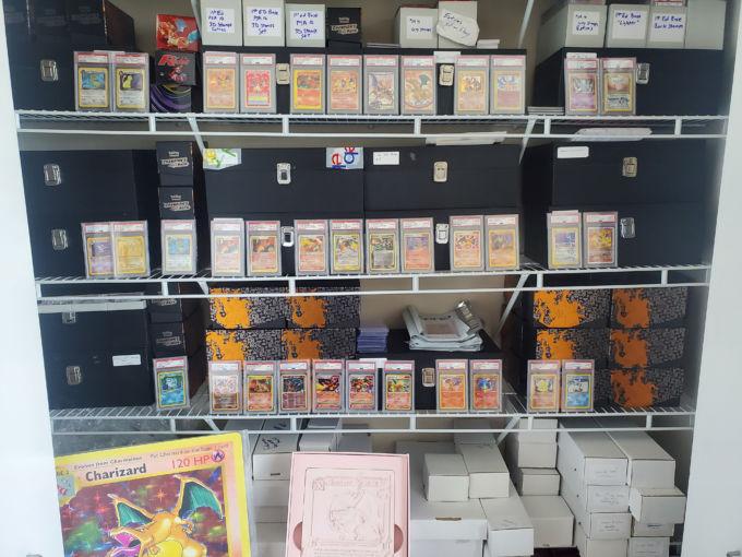 ポケモンカードが並ぶ米シカゴの店舗
