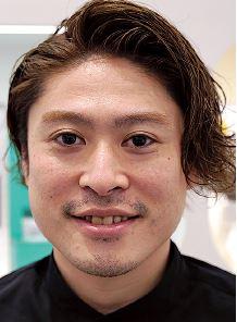 コスメネクストFlagshipstore事業部部長の坂井亮介氏
