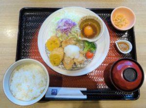 大戸屋ランチ」(税込740円)をはじめ、定食メニューは6月から価格を50円前後引き下げる