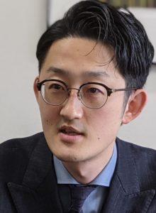 AOKI マーケティング販促部 鈴木恭平次長